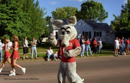 _old-charlie-the-coyote